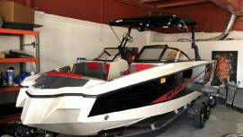 2018 Heyday WT-Surf Boat - Like New Condition