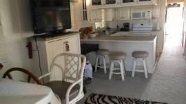 2002 Horizon Luxury Houseboat