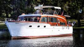 1953 Chris-Craft Flybridge Motor Yacht
