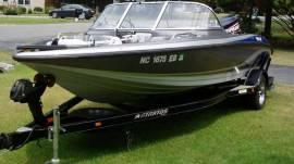 2005 Stratos 486 Ski-N-Fish