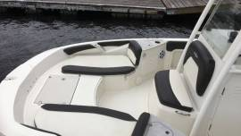 2019 Stingray 206CC Deck Boat, Yamaha 150hp