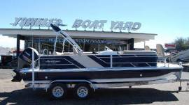 2019 Hurricane FunDeck 226F