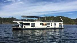 1997 Jamestowner 16 x 80 Houseboat