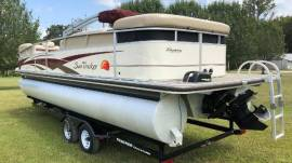 2008 Sun Tracker PARTY BARGE 25 I/O